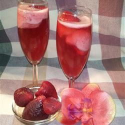 Low-Fat Recipes: Champagne with Strawberries