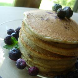 Low-Fat Recipes: Whole Wheat Blueberry Pancakes