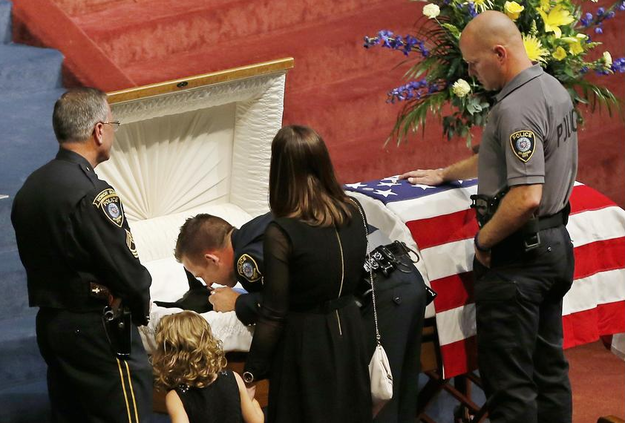 Heartbreaking Pictures From The Funeral Of A Police Dog Who Died Saving His Partner
