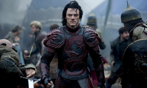 "4 Reasons ""Dracula Untold"" Is A Superhero Movie In Goth Clothing"
