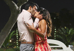 Exclusive Jane the Virgin First Look: Is Jane No Longer a Virgin?
