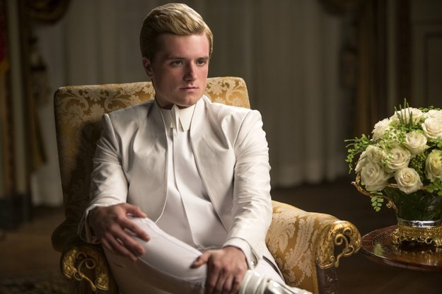 "How ""The Hunger Games"" Challenges Old Hollywood Expectations About Gender Roles"