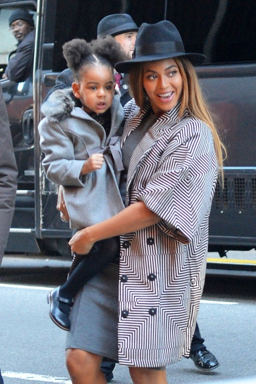 Beyonce and Jay-Z Take Daughter, Blue Ivy, to Annie Premiere In New York City