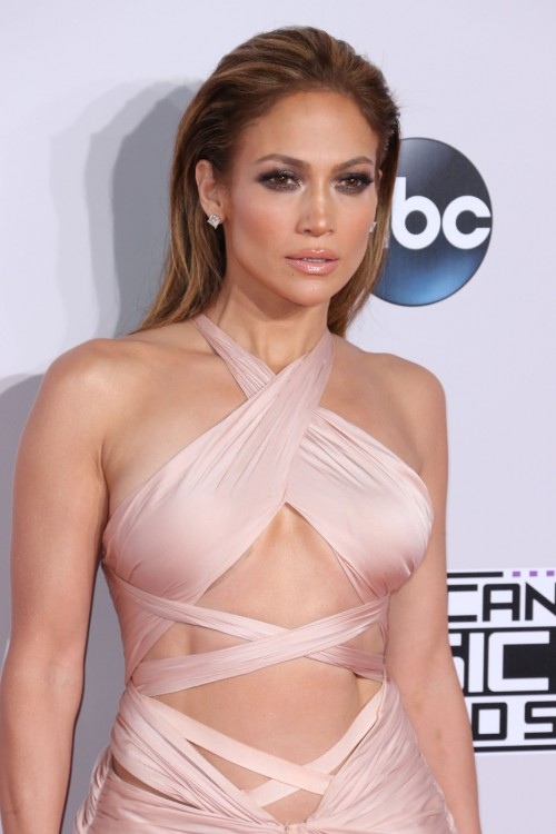Jennifer Lopez: Christmas Will Be At Home This Year