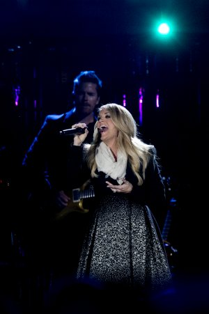 "American Country Countdown Awards Preview: ""Country Music's Christmas …"